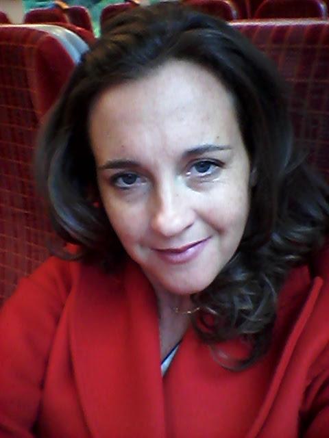 Photo portrait of Claire Dewsbury