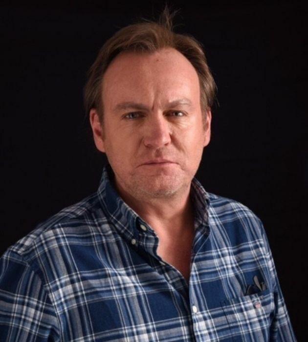 Photo portrait of Philip Glenister
